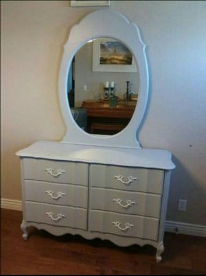 Grey Dresser with a Mirror for Sale in San Tan Valley, AZ