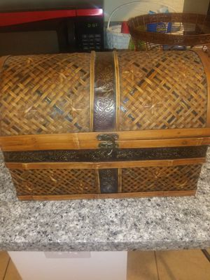 2 small wicker trunk home decorations for Sale in Oklahoma City, OK