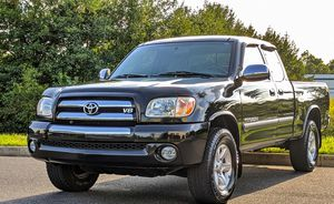 Beautiful 2OO5 Toyota Tundra 4WDWheels for Sale in Denver, CO