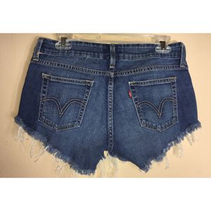 Levi 545 raw hem denim shorts Sz 6 great Condition for Sale in Puyallup, WA