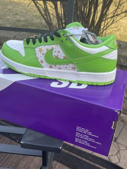 Supreme Nike Dunk Green Size 7.5 for Sale in Wayne,  IL