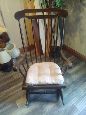 rocking chair for Sale in Caldwell, OH