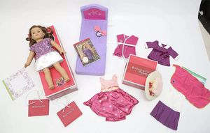 """AMERICAN GIRL BEFOREVER DOLL REBECCA W/ BOOK BED OUTFITS PREOWNED 18"""" W/ BOX for Sale in Henderson, NV"""