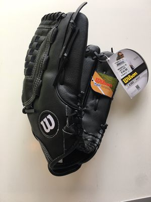 Softball Glove $25 for Sale in Queens, NY