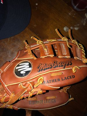 Brand new Mac gregor baseball glove for Sale in Quincy, MA