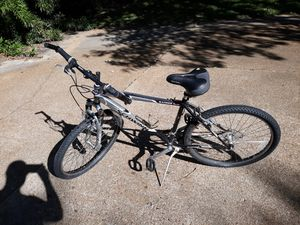 Schwinn ranger 2.6 mountain bike (check out my wall) for Sale in Northwest Plaza, MO