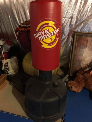 Wave master mini free standing punching bag for Sale in Clarksburg, MD