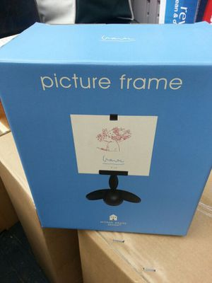 Cute Picture Frame Holder for Sale in Tacoma, WA
