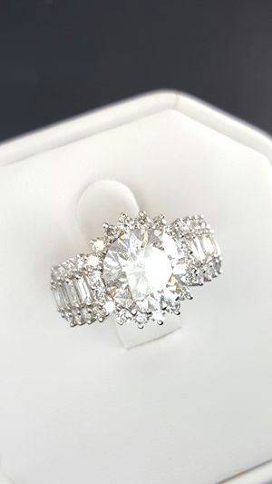 4 carat round baguette diamond ring for Sale in Nashville, TN