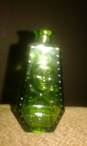 Antique coffin green glass bottle. Some listings say poison bottle. 2 |1/2 inches tall. Pics don,t show detail. for Sale in Lawton, OK