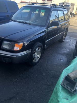 Subaru forester 98 for Sale in Aurora, CO