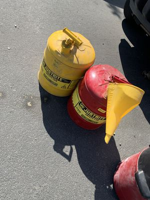 Metal gas cans for Sale in Vallejo, CA