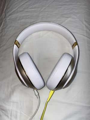 Beats studio noise cancelling headphones for Sale in Snohomish, WA