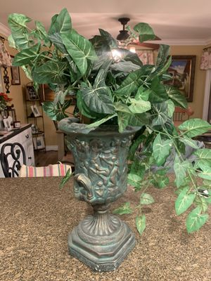 Very heavy vase and fake plant for Sale in Chino, CA