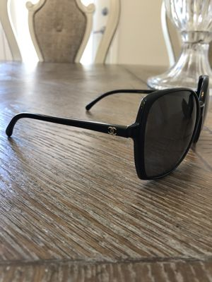 Chanel Sunglasses w/Chanel Case Authentic for Sale in San Diego, CA