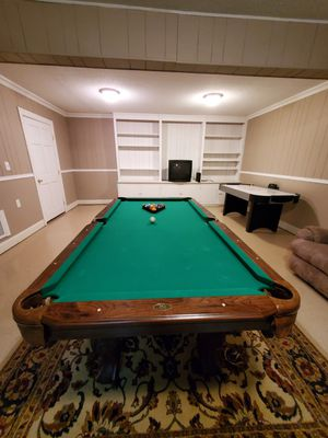 Pool table non slate top great condition for Sale in Kannapolis, NC