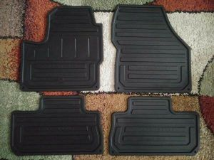 2008-2015 Genuine OEM Land Rover LR2 rubber floor mats for Sale in Woburn, MA