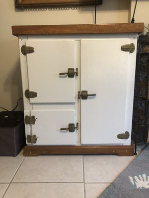 Antique icebox for Sale in Melbourne Beach, FL