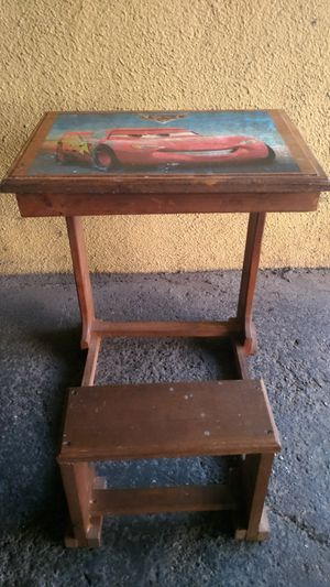 KIDS DESK for Sale in Rialto, CA