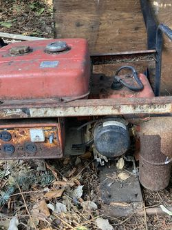 Old Generator Has Compression Doesn't Run for Sale in Renton,  WA
