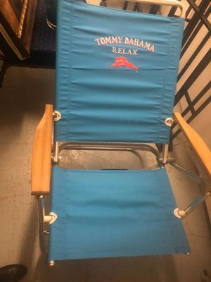 Tommy Bahama lawn chair for Sale in Alexandria, VA