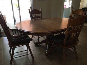 Tom's Farms oak table for Sale in Menifee, CA