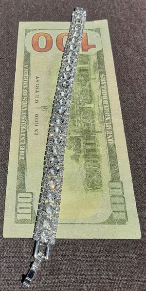 """White Gold Filled Crystal Tennis Bracelet 7.25"""" for Sale in Union, WA"""
