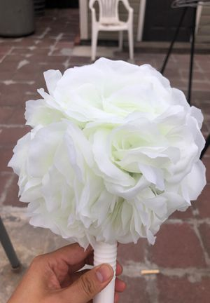 Faux white flower bouquets for Sale in San Leandro, CA