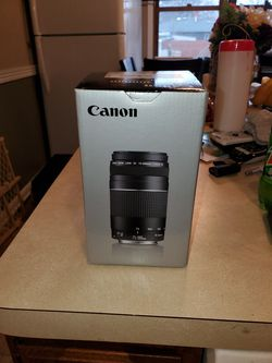 Canon ef 75-300 zoom lens for Sale in Cleveland,  OH