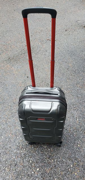 Coleman carry on hard suitcase for Sale in Covington, WA