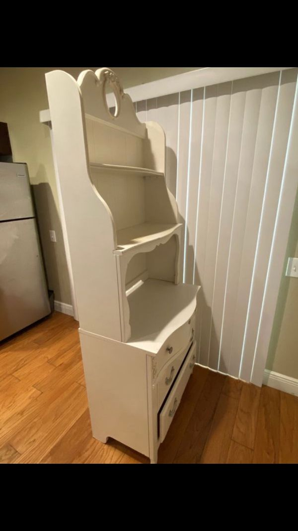 Wooden White Bedroom Furniture Set 3 Pieces For Sale In Tampa Fl Offerup