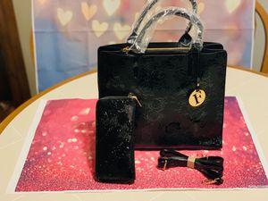 Purse set for Sale in Naugatuck, CT