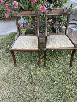 Antique chairs set of 2 $40 for Sale in San Bernardino, CA
