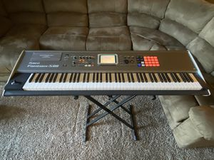 Roland Fantom S88 keyboard synthesizer MINT condition-88 key piano 🎹 for Sale in Vancouver, WA