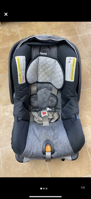 Infant Chicco car seat and base for Sale in Simpsonville, SC