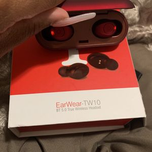 Wireless Head Earbuds RED for Sale in Hartford, CT