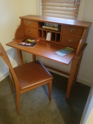 Desk and Chair for Sale in Huddleston, VA