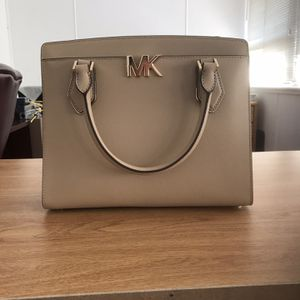 Light brown Satchel Purse Michael Kors for Sale in Victorville, CA