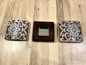 Set of 3 Small Wall Decor & Mirror for Sale in Lacey, WA