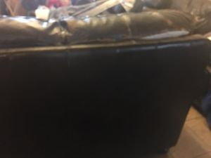 Leather couch/loveseat for Sale in Vail, AZ