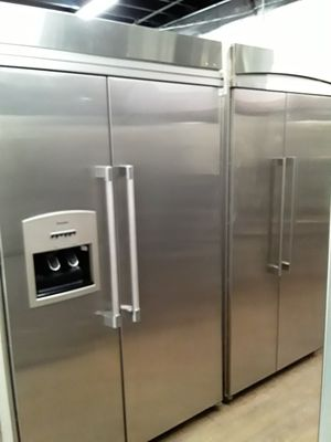 Built in thermador 2 door refrigerator $ 2500.00 for Sale in Chula Vista, CA