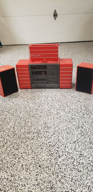 Snap on radio and mugs for Sale in Glendale, AZ