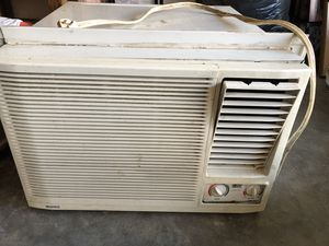 AC window unit 230 Volts for Sale in BROOKSIDE VL, TX