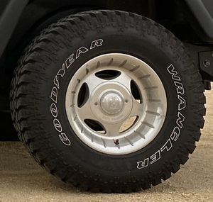 """31x10.50r15 LT Goodyear Authority tire w/ 15"""" centerline wheels for Jeep Wrangler for Sale in Los Angeles, CA"""