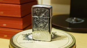 Beautiful vintage 1970s Zippo - Unstruck! for Sale in Lacey, WA