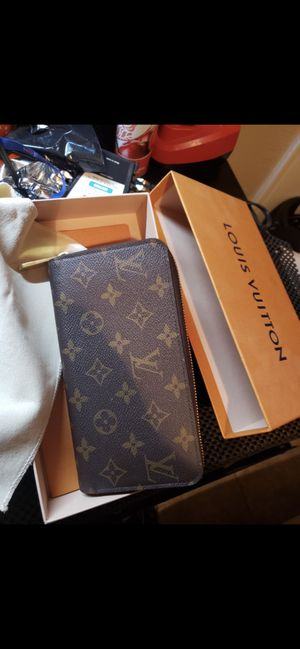 Louis Vuitton wallet for Sale in Phoenix, AZ