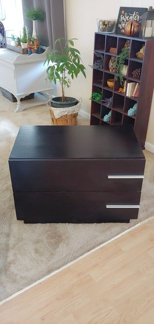 Chest of drawers for Sale in Mount Laurel Township, NJ