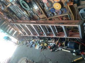 Escalera de 8 pies buenas condiciones for Sale in Anaheim, CA