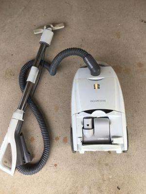 Kenmore progressive vacuum. Works for Sale in Gonzales, LA