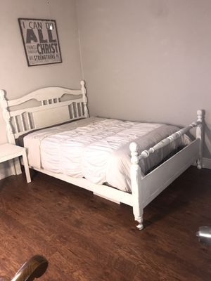 Full/queen bed for Sale in Denham Springs, LA